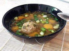 Лёгкий суп с тыквой и фрикадельками