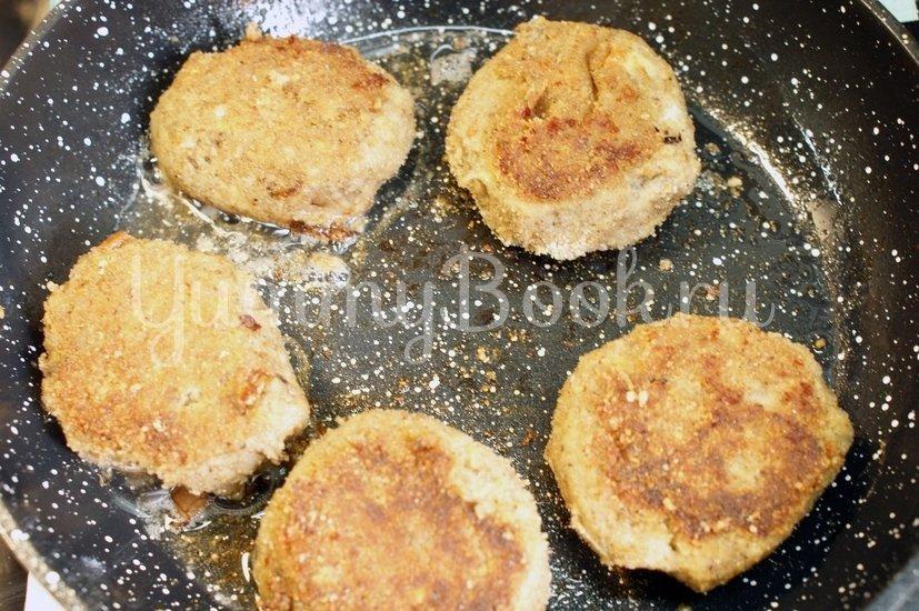 Котлеты из баклажанов с сыром - шаг 8