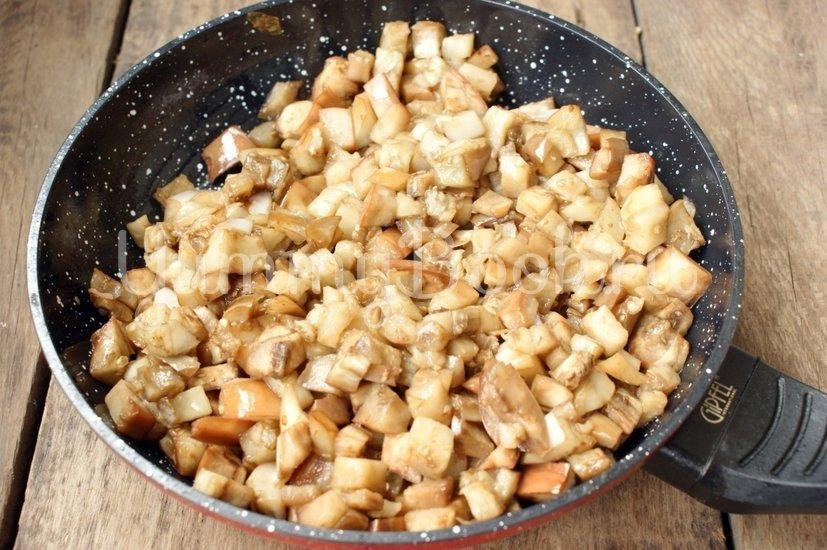 Котлеты из баклажанов с сыром - шаг 2