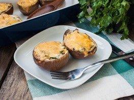 Запечённые баклажаны с творогом и сыром