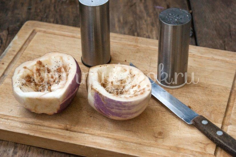 Запечённые баклажаны с творогом и сыром - шаг 1