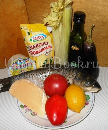 Белый амур, запечённый с овощами - шаг 1