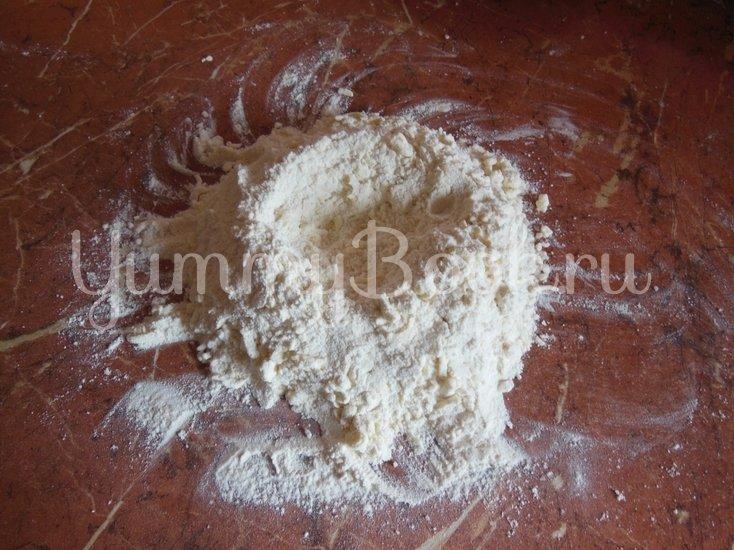 Творожный пирог с грецкими орехами - шаг 6