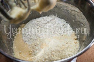 Пирог со сливами в мультиварке - шаг 3