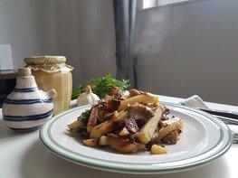 Вешенки с жареной картошкой
