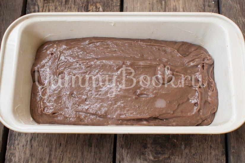 Шоколадный кекс с грушами - шаг 6