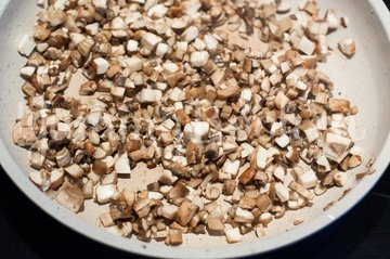 Слойки с квашеной капустой и грибами - шаг 2