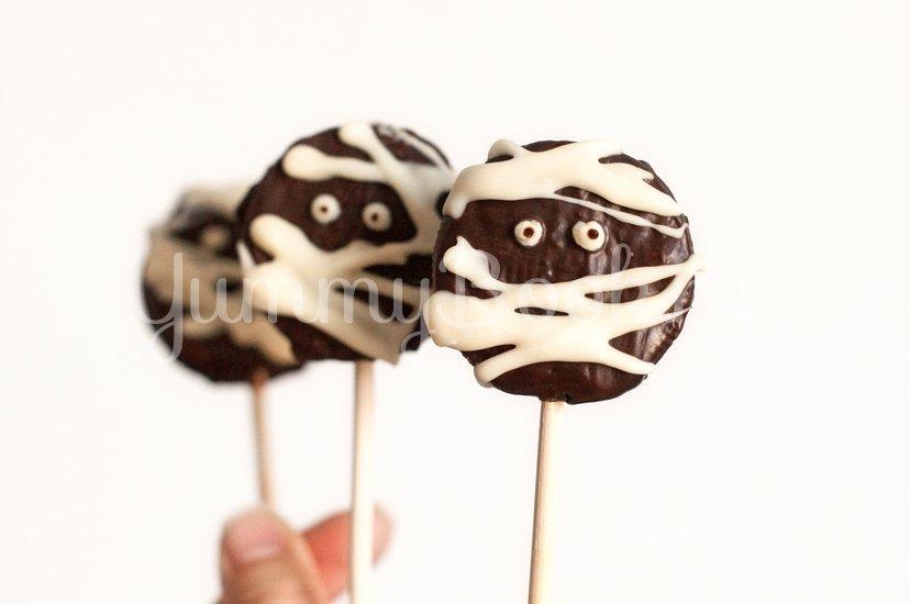 Мумии из печенья Орео на Хэллоуин - шаг 6