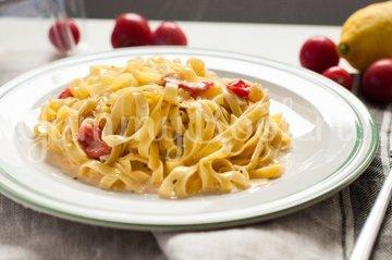 Паста с соусом из сыра Бри с томатами - шаг 3