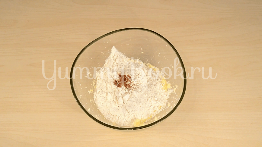 Пирог на кефире с вишней - шаг 2