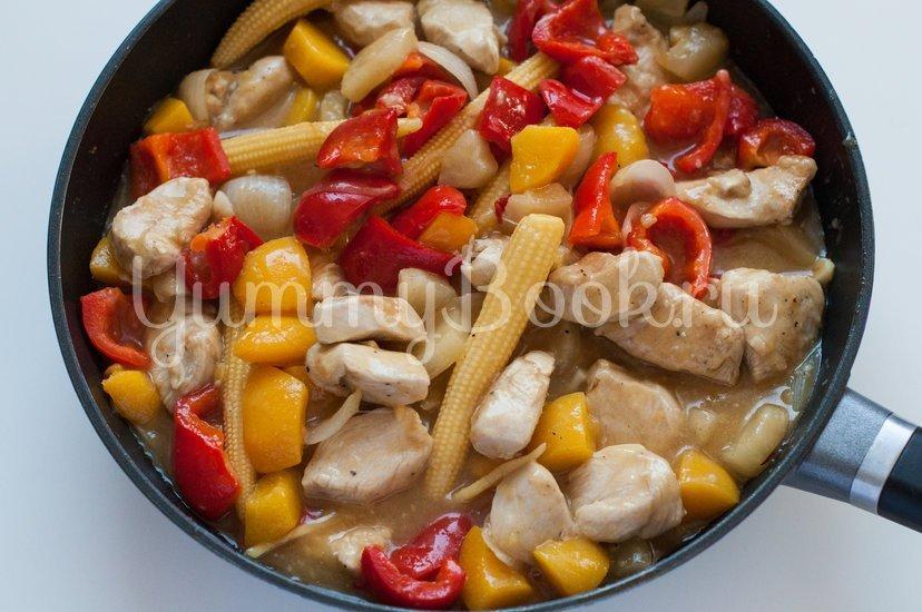 Курица в кисло-сладком соусе с овощами - шаг 11