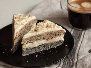 Маково-ореховый торт со сметанным кремом