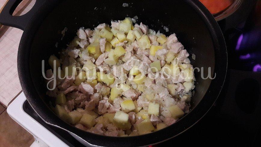 Курино-овощная сметанная подлива  - шаг 5