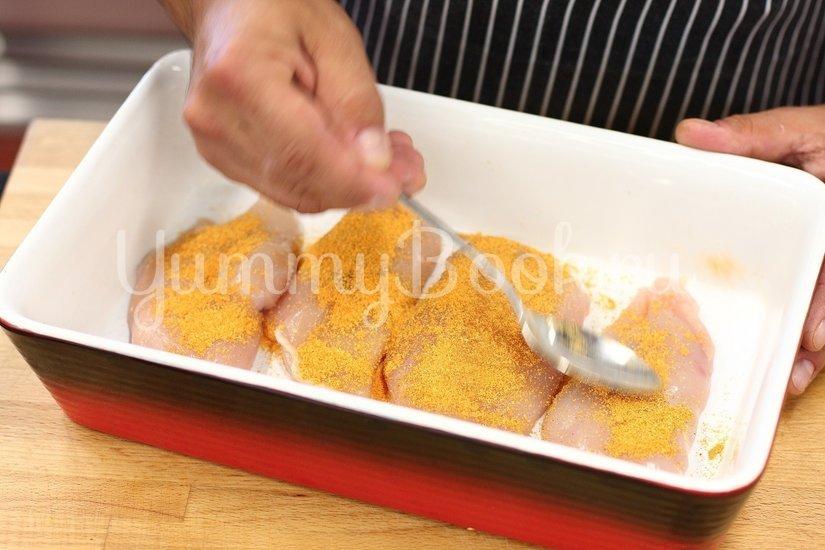 Запеченная курица с овощами и салатом - шаг 2