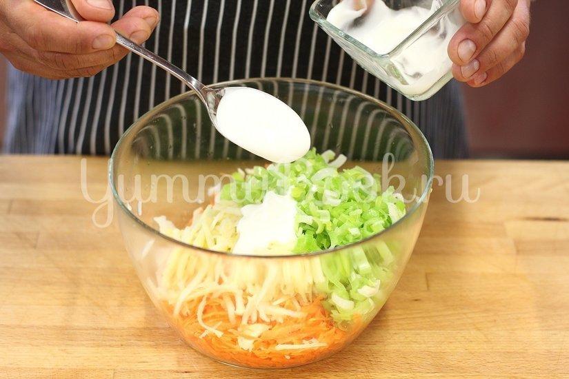 Запеченная курица с овощами и салатом - шаг 5