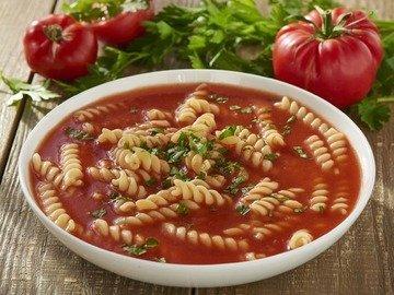 Томатный суп с макаронами (Zupa pomidorowa)