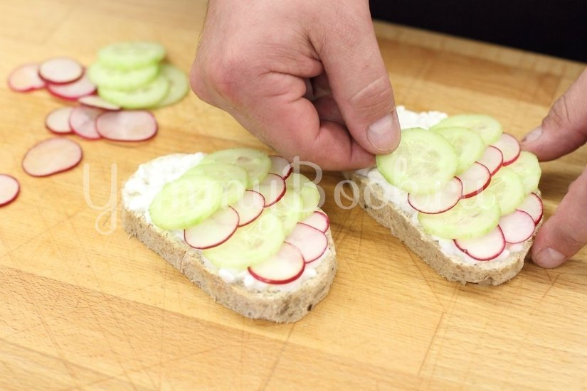 "Детский бутерброд ""Рыбки"" - шаг 2"