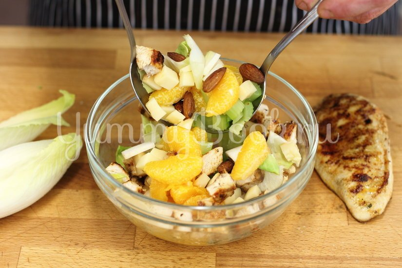 Салат с курицей и мандаринами - шаг 2