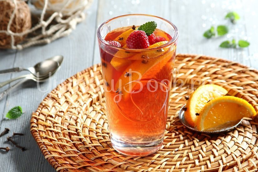Согревающий чай с малиной и апельсинами - шаг 2