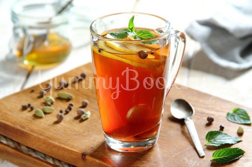 Согревающий мятный чай с пряностями