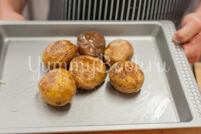 Запеченный фаршированный картофель - шаг 1