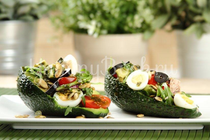 Салат с авокадо и тунцом - шаг 5