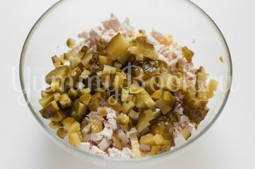 "Салат ""Оливье"" без майонеза и картофеля - шаг 3"