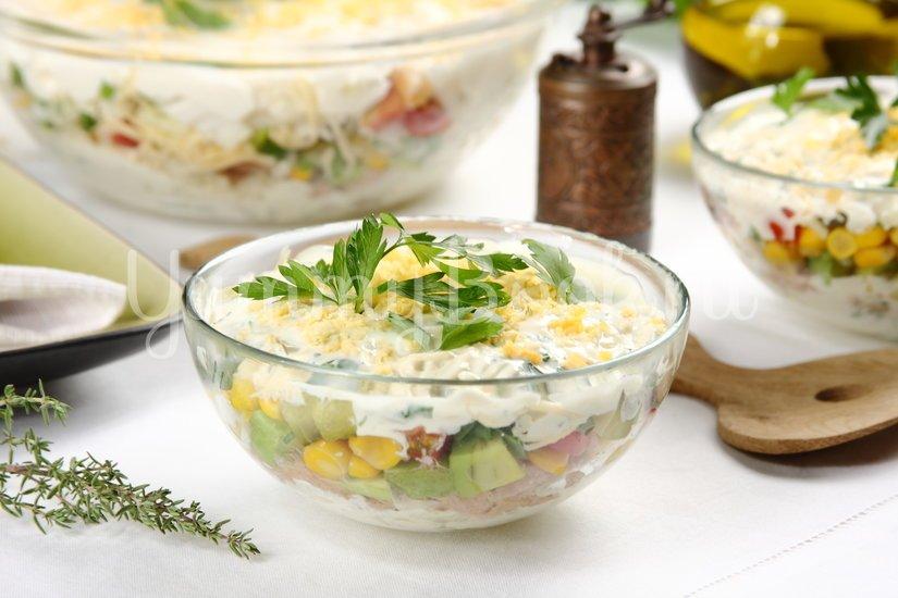 Слоёный салат с тунцом и пекинской капустой - шаг 6