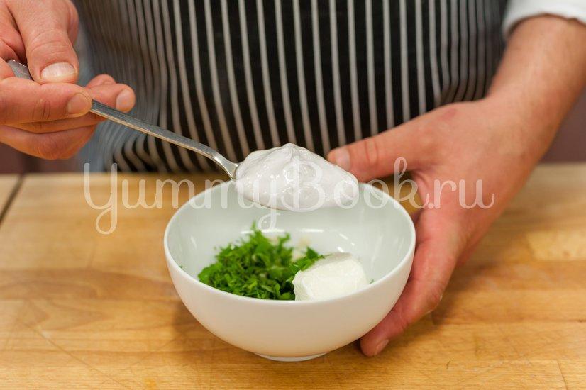 Омлет с овощами и соусом - шаг 5
