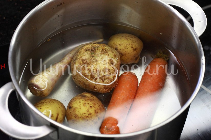 Салат овощной с майонезом - шаг 1