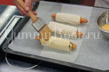 Сосиски с овощами в слоеном тесте - шаг 5