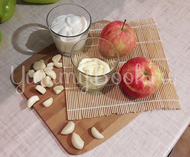 Чесночно-яблочный соус - шаг 1