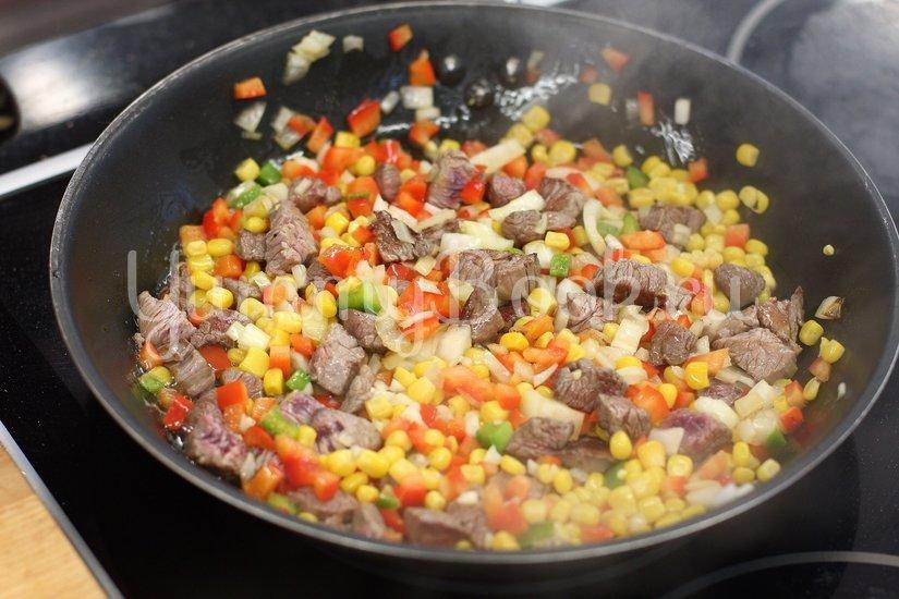 Блинчики с говядиной по-мексикански - шаг 3