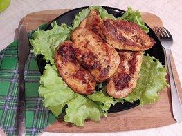 Куриное филе, замаринованное в оливковом масле с розмарином и тимьяном