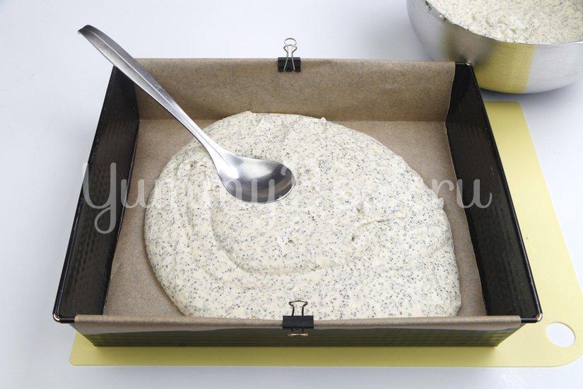 Маковый пирог с молочной глазурью - шаг 4