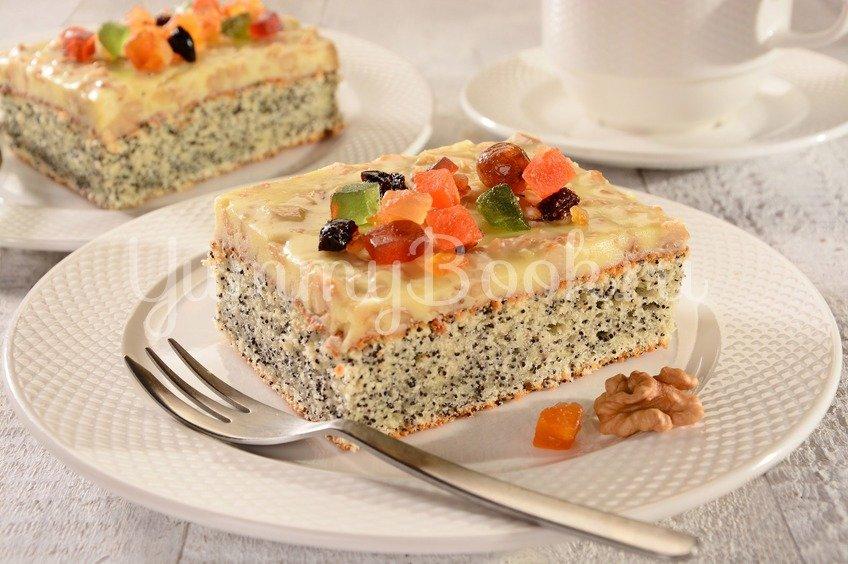 Маковый пирог с молочной глазурью