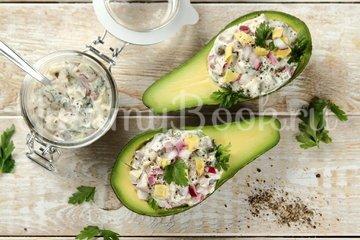 Фаршированный авокадо с сельдью - шаг 5