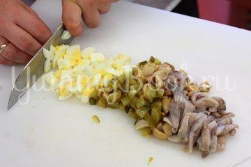 Салат из сельди по-дворянски - шаг 2