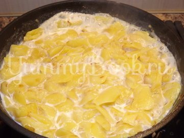 Вареный картофель, тушеный в молоке - шаг 5