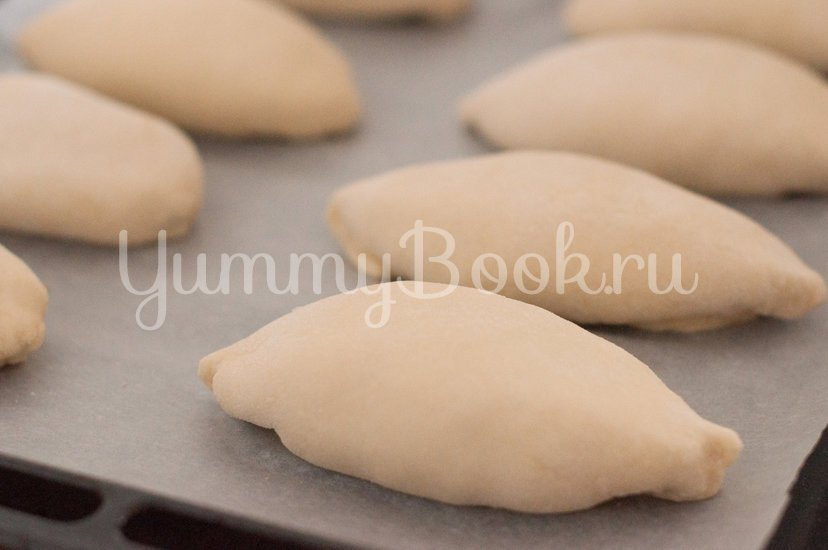 Пирожки с грибами, сыром и пшенной крупой - шаг 9