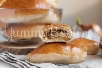 Пирожки с грибами, сыром и пшенной крупой - шаг 11