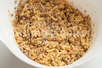 Пирожки с грибами, сыром и пшенной крупой - шаг 7