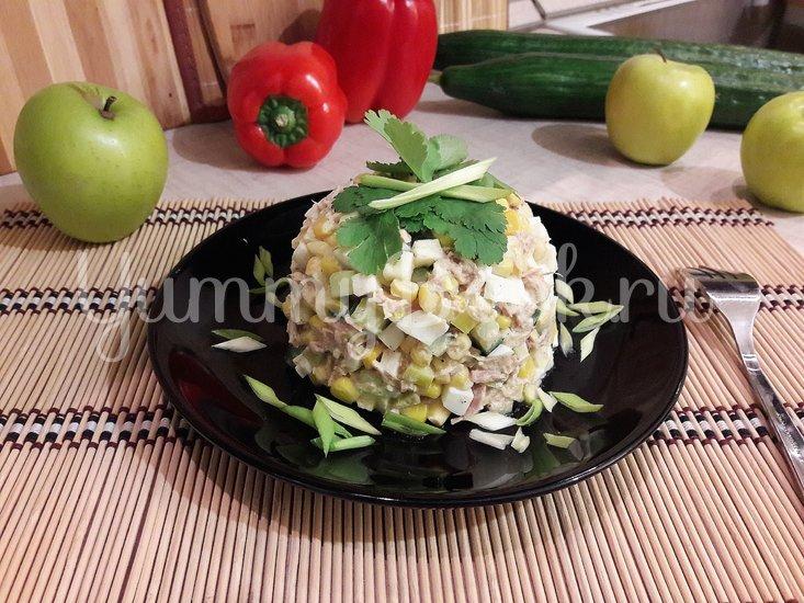 Простой салат с тунцом и яблоком - шаг 4