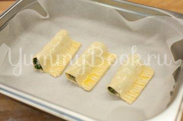 Слойки со шпинатом и сыром Фета - шаг 5