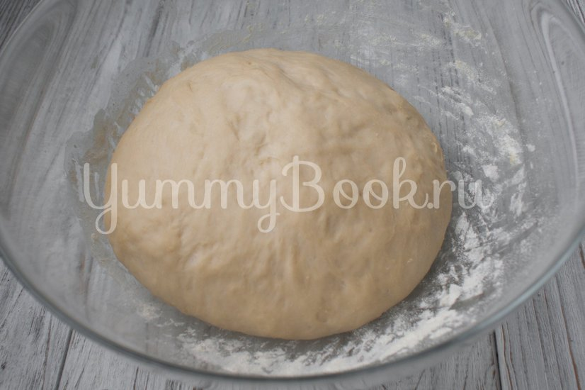 Быстрые дрожжевые пирожки с вишней - шаг 3