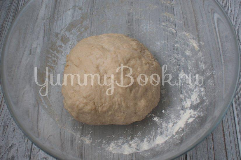 Быстрые дрожжевые пирожки с вишней - шаг 2