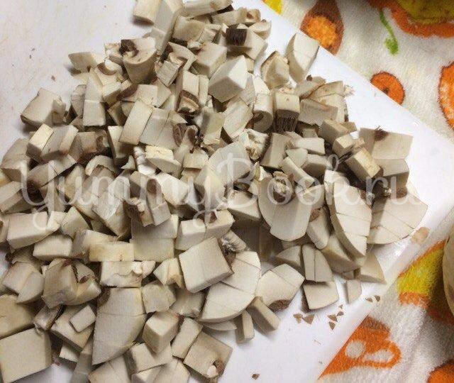 Тарталетки с курицей,  грибами и сыром - шаг 1