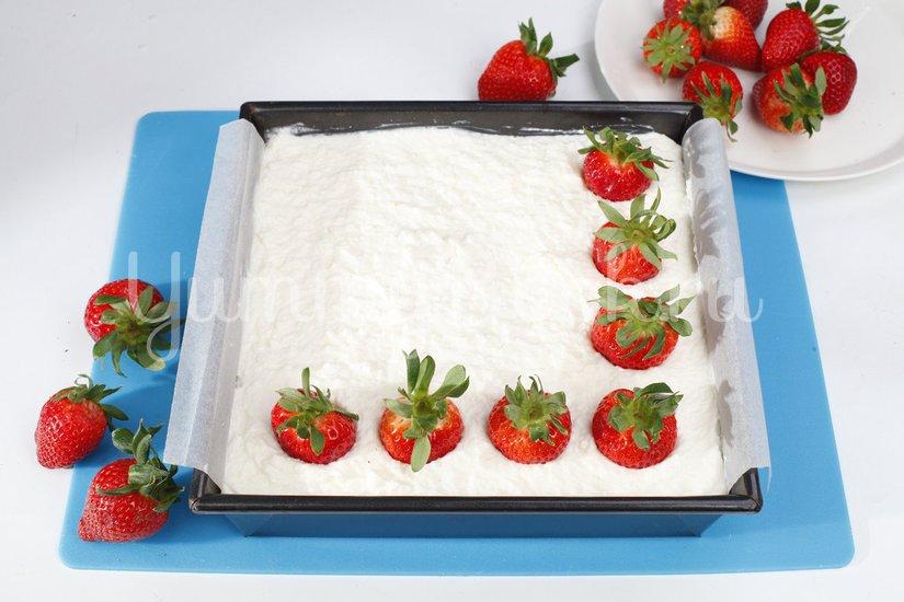 Кокосовый десерт с ягодами - шаг 6