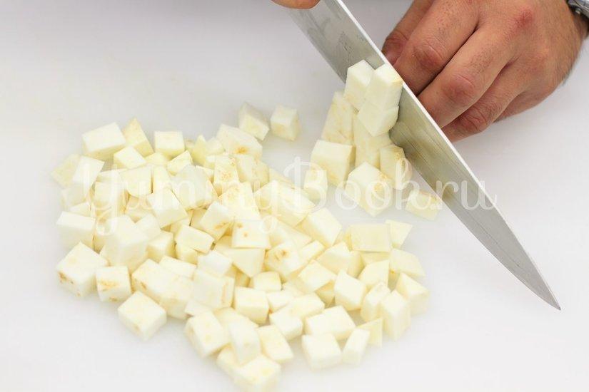 Суп-пюре из сельдерея - шаг 1