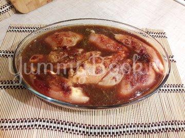 Сочный салат с запечённым куриным филе и овощами - шаг 3